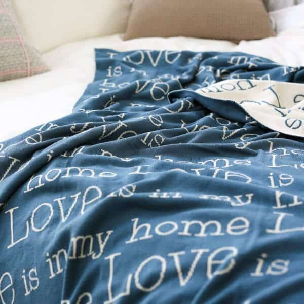 homesphere   Strickdecke Love is in my home
